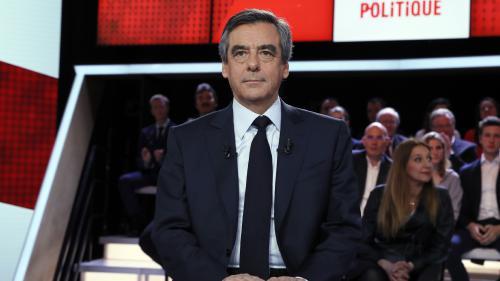 """Hollande et le """"cabinet noir"""" : la polémique lancée par Fillon en quatre actes"""