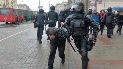 VIDEO. Des centaines de manifestants arrêtés en Biélorussie