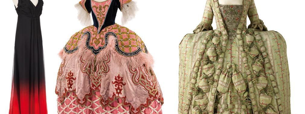 768ce9dddae Costume Dior porté par Isabelle Huppert dans Un Tramway de K. Warlokowski