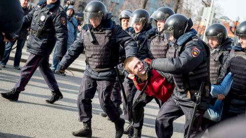 VIDEO. Rassemblement contre la corruption : des centaines de manifestants arrêtés en Russie