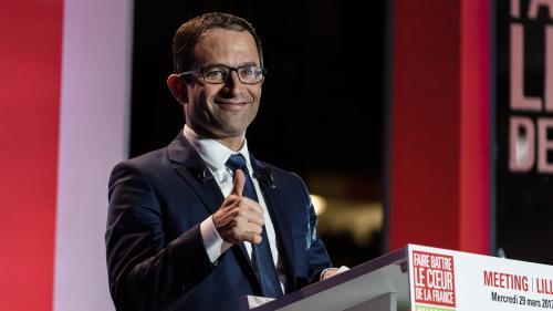 """VIDEO. """"Trahisons"""", """"couteaux dans le dos""""... L'impossible campagne de Benoît Hamon"""