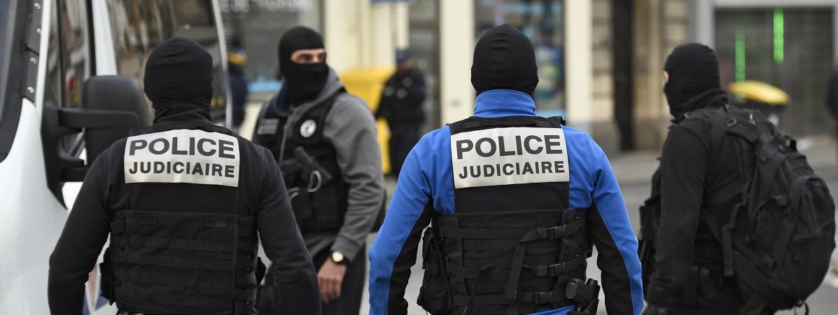 [Inconstitutionnelle autonomisation de l'exécutif] Les policiers autorisés, «à titre exceptionnel», à porter une cagoule en intervention