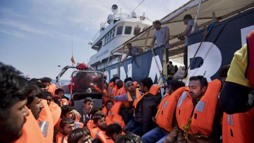 VIDEO. Des milliers de migrants secourus en Méditerranée ce week-end