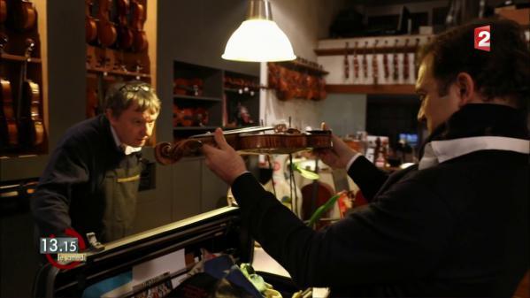 """VIDEO. """"13h15"""". Le check-up du """"Vicomte de Panette"""" chez le luthier du violoniste Renaud Capuçon"""