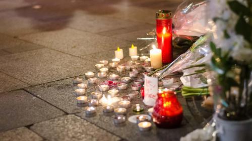 Policier tué sur les Champs-Elysées en 2017:le Parquet antiterroriste souhaite un procès pour quatre suspects