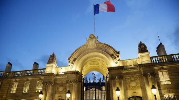 Le Pen étrille Macron et drague à tout-va — Présidentielle