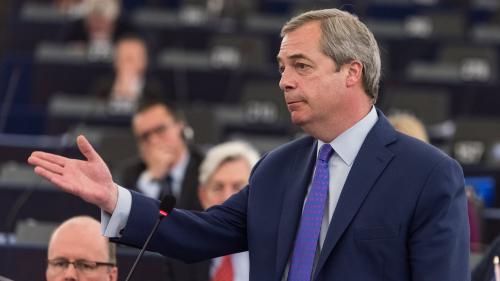 """Présidentielle : le Britannique Nigel Farage prédit """"un score très serré"""" au second tour de l'élection française"""
