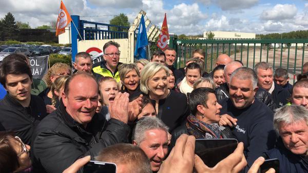 Amiens : la visite surprise de Marine Le Pen