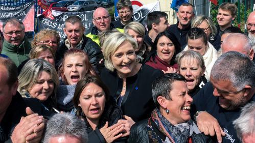 Whirlpool : la folle journée d'Emmanuel Macron et Marine Le Pen en quatre actes