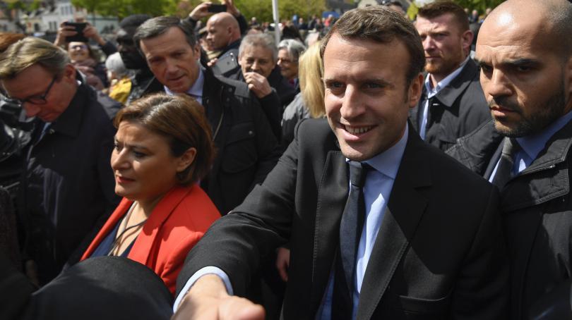 """DIRECT. Pour Emmanuel Macron, """"Marine Le Pen a fait des selfies sur un parking, elle a profité de la misère"""""""