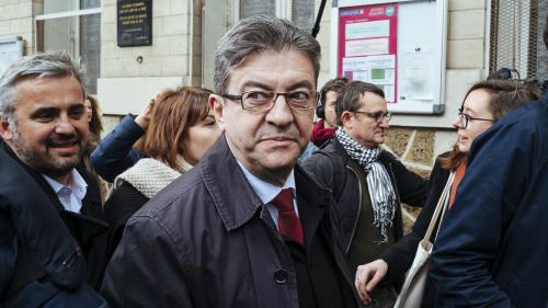 """Présidentielle : """"Ne faites pas la terrible erreur de mettre un bulletin FN"""" dans l'urne, martèle Jean-Luc Mélenchon"""