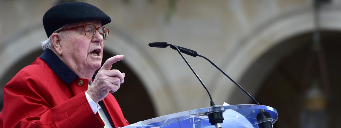 Jean-Marie Le Pen donne un discours, à Paris, le 1er mai 2017.
