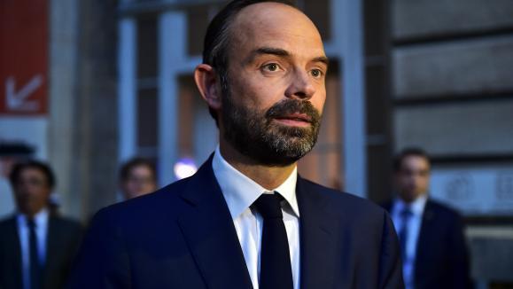 L'Elysée dévoile un gouvernement mixte et paritaire — France