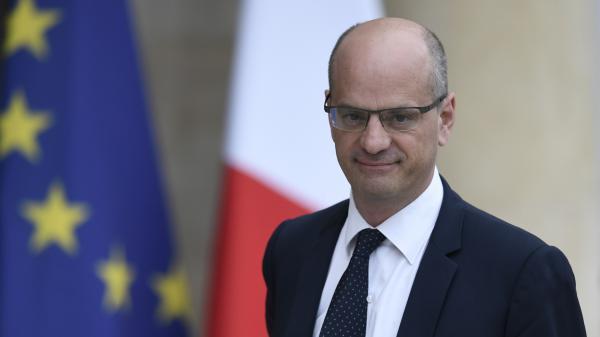 """VIDEO. """"Il faut aimer son pays"""", estime le nouveau ministre de l'Education nationale, Jean-MichelBlanquer"""