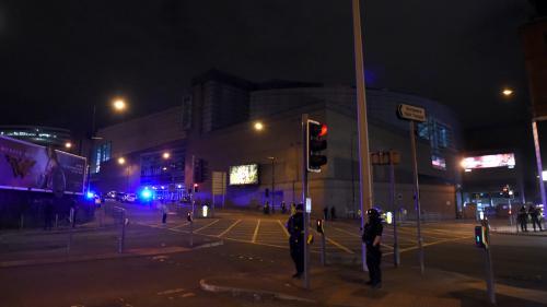 DIRECT. Manchester : la possible explosion dans une salle de concert a fait au moins 19 morts et 50 blessés, la piste terroriste est privilégiée