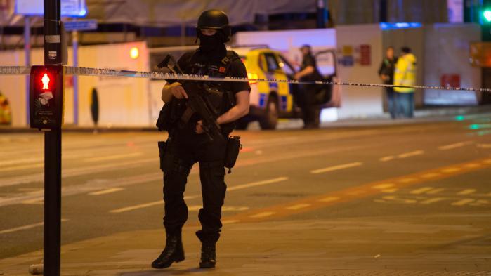 DIRECT. Suivez les développements de l'enquête et les réactions après l'explosion meurtrière de Manchester au concert d'Ariana Grande