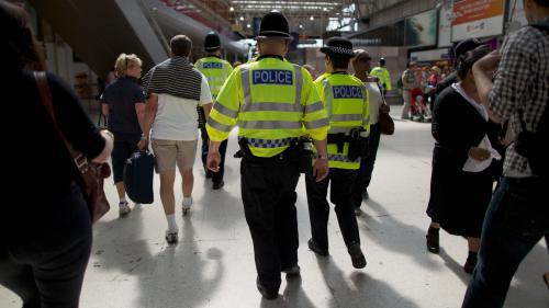 Quel était le niveau de sécurité au Royaume-Uni avant l'attentat de Manchester ?