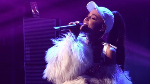 Attentat de Manchester : la chanteuse Ariana Grande interrompt sa tournée