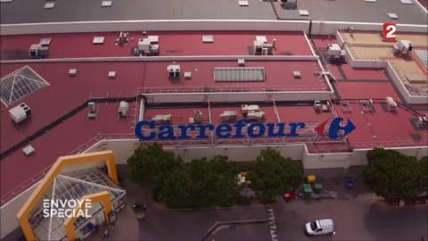"""VIDEO. """"Dégagée"""" pour avoir tenu tête à Carrefour?"""