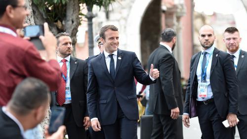 "VIDEO. ""Do you want me to take my plane ?"" : Macron imite Chirac en marge du G7"