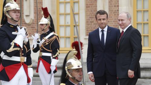 À Versailles, Macron et Poutine vont tenter de s'accorder sur des sujets complexes