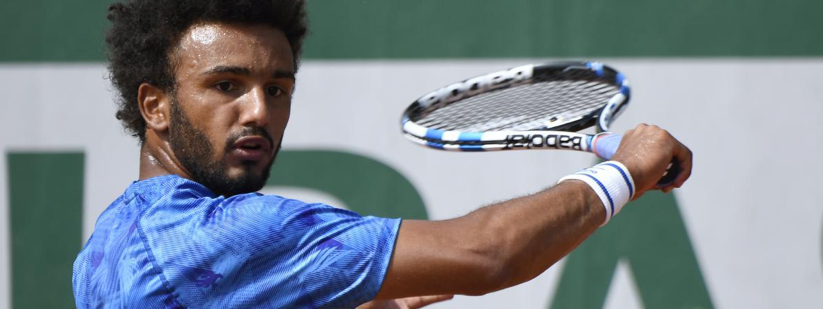 Le tennisman français Maxime Hamou exclu de Roland-Garros après avoir embrassé de force une journaliste en plein direct