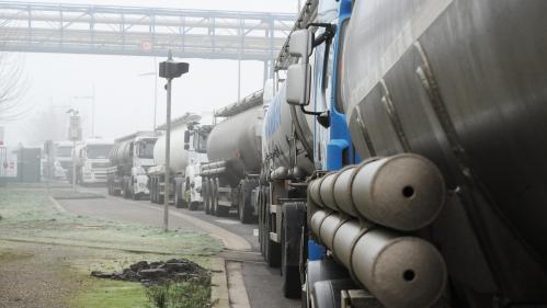 Blocage du terminal pétrolier Rubis à Grand-Quevilly près de Rouen