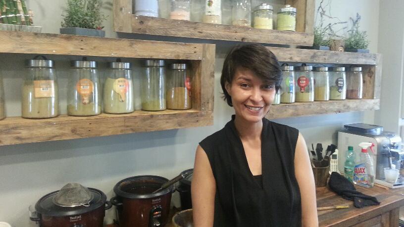 Elle a adopt le d veloppement durable dans son salon de coiffure j 39 ai vu la facture baisser - Salon developpement durable ...