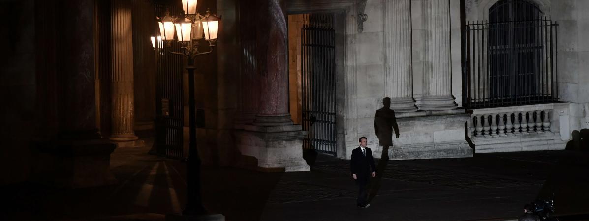 Il Un À Tient Être Pourquoi Président Macron Tant OXZTkiPu
