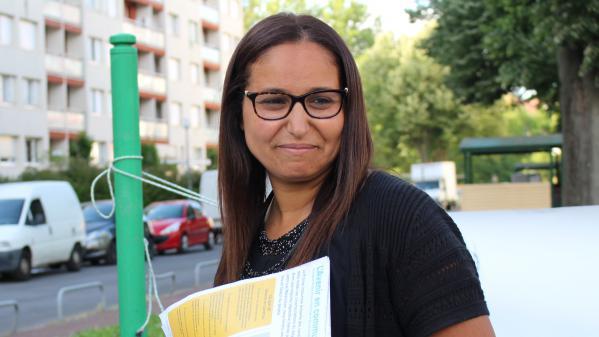 """Législatives : Farida Amrani, """"l'insoumise"""" qui rêve de faire tomber Manuel Valls dans l'Essonne"""