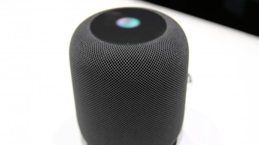nouveau monde apple lance son tour une enceinte reconnaissance vocale pour la maison. Black Bedroom Furniture Sets. Home Design Ideas