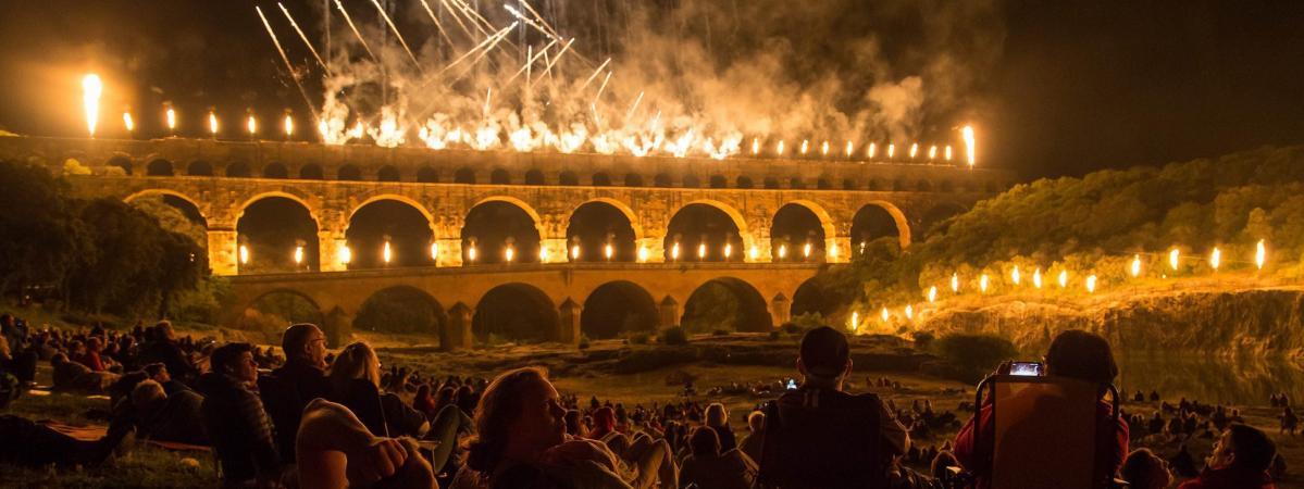 Pleins Feux Sur Le Pont Du Gard