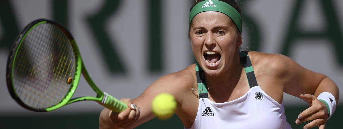 La Lettone Jelena Ostapenko a renversé la Roumaine Simona Halep en finale dames de Roland-Garros, le 10 juin 2017, à Paris.