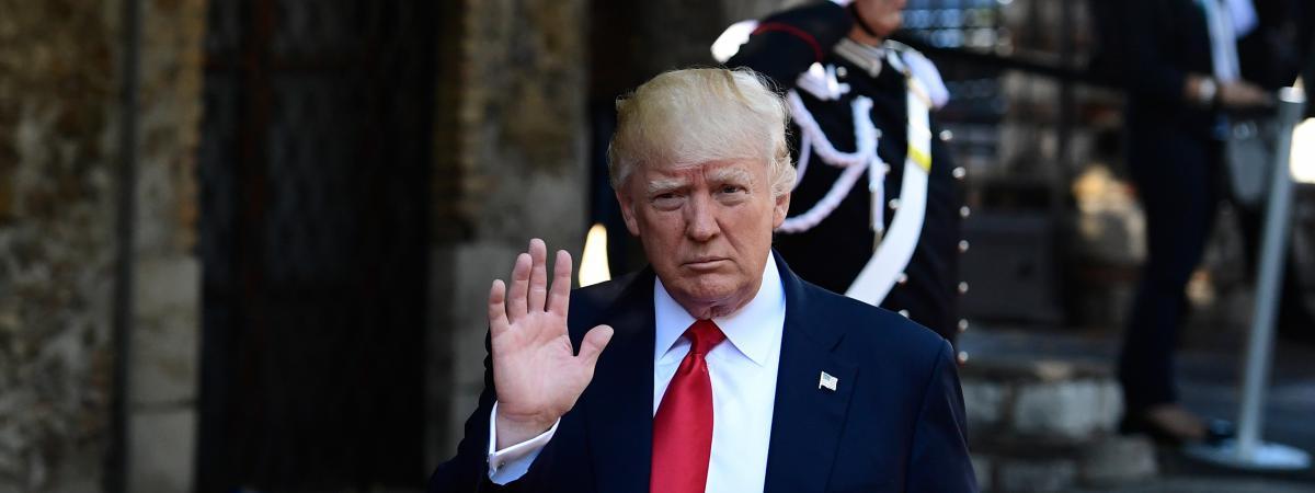 Le président des Etats-Unis Donald Trump arrive à l\'hôtel San Domenico à Taormine, en Sicile (Italie), pour le second jour du sommet du G7, le 27 mai 2017.