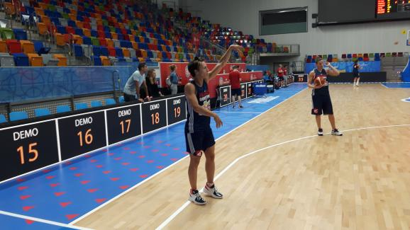 Céline Dumerc à l\'entraînement à Prague le 14 juin 2017