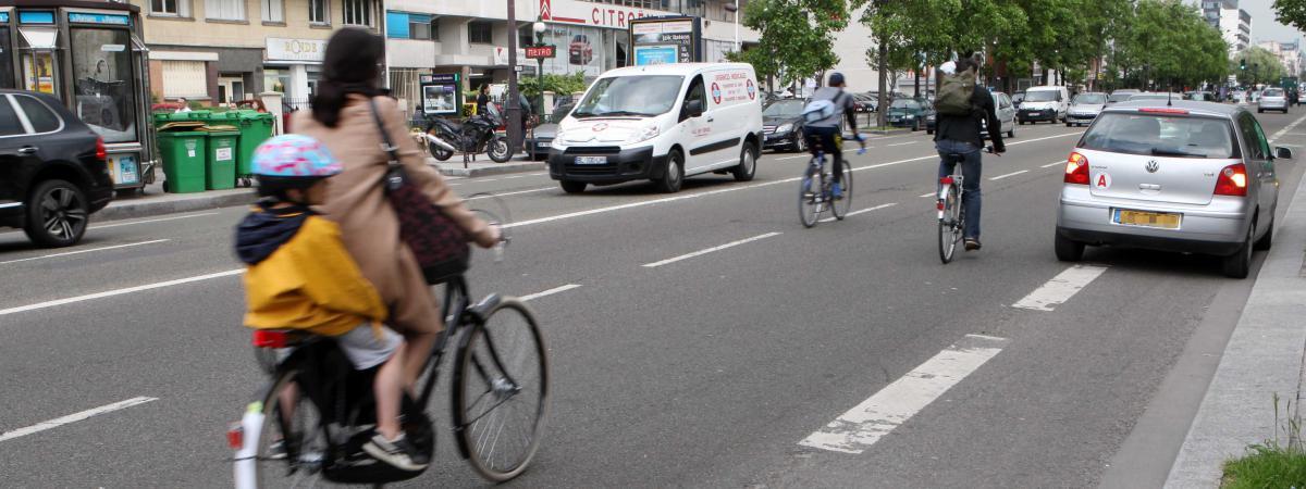 accidents insultes agressions le quotidien sous tension des cyclistes en ville. Black Bedroom Furniture Sets. Home Design Ideas