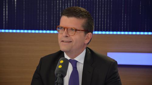 """Luc Carvounas redoute que """"l'Assemblée nationale soit remplacée par la haute administration"""""""