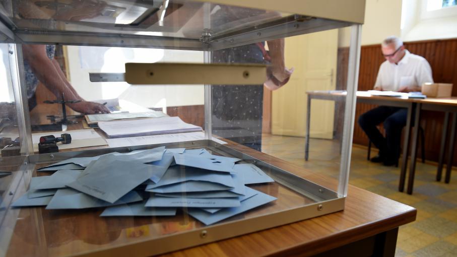 l gislatives faute d 39 assesseurs des bureaux de vote ont. Black Bedroom Furniture Sets. Home Design Ideas