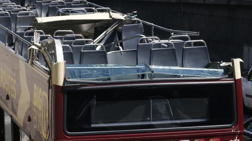 Un bus s'encastre sous un tunnel au niveau du pont AlexandreIII à Paris: quatre blessés, dont un grave