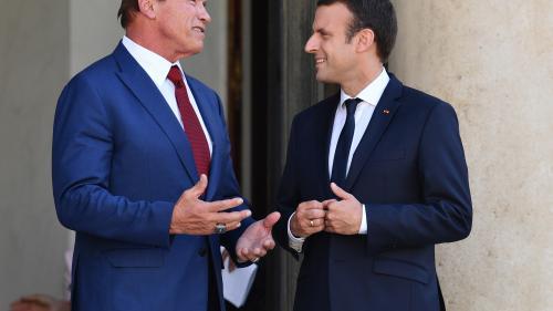 """VIDEOS. Macron et Schwarzenegger assurent travailler ensemble """"pour rendre sa grandeur à la planète"""""""