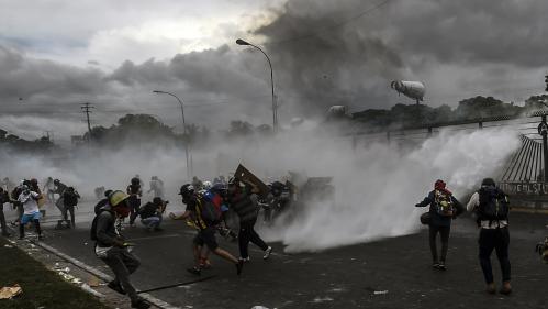 VIDEO. Des milliers de Vénézuéliens descendent dans la rue pour dénoncer la répression