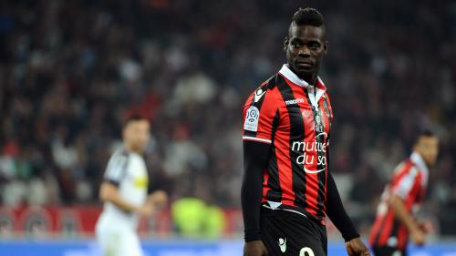 Foot : Mario Balotelli prolonge d'un an son contrat à Nice