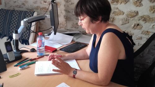 Méthodes, consignes, anecdotes... : une prof raconte les coulisses des corrections des copies du bac