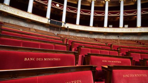 """Rentrée parlementaire : """"Entre 1000 et 1400collaborateurs"""" vont être """"sur le carreau"""""""