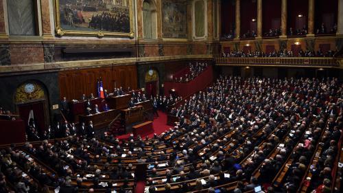 Qui sont les parlementaires qui refusent d'assister au Congrès convoqué par Emmanuel Macron ?