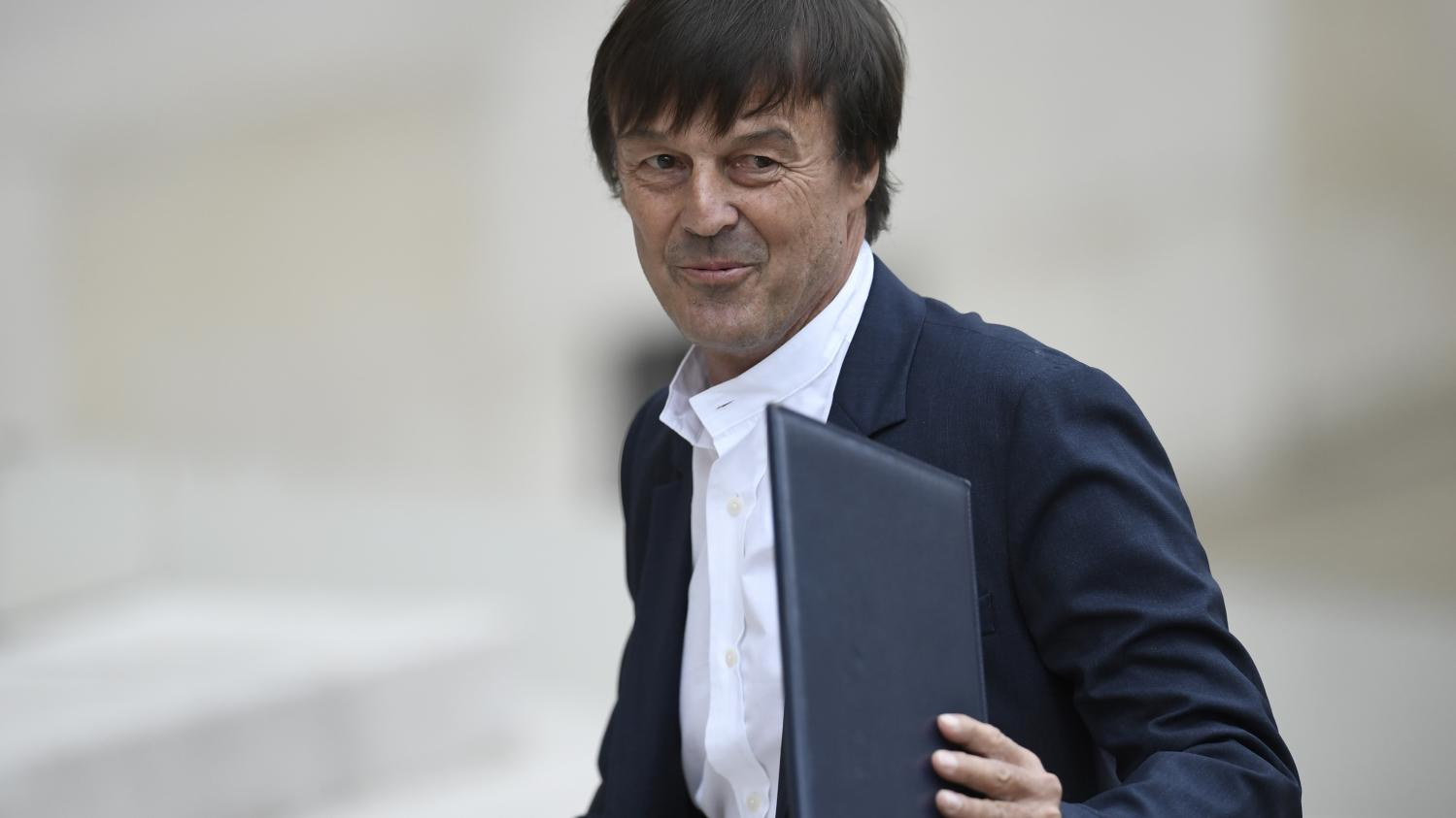 direct plan climat nicolas hulot fixe pour objectif la fin de la vente des voitures diesel. Black Bedroom Furniture Sets. Home Design Ideas