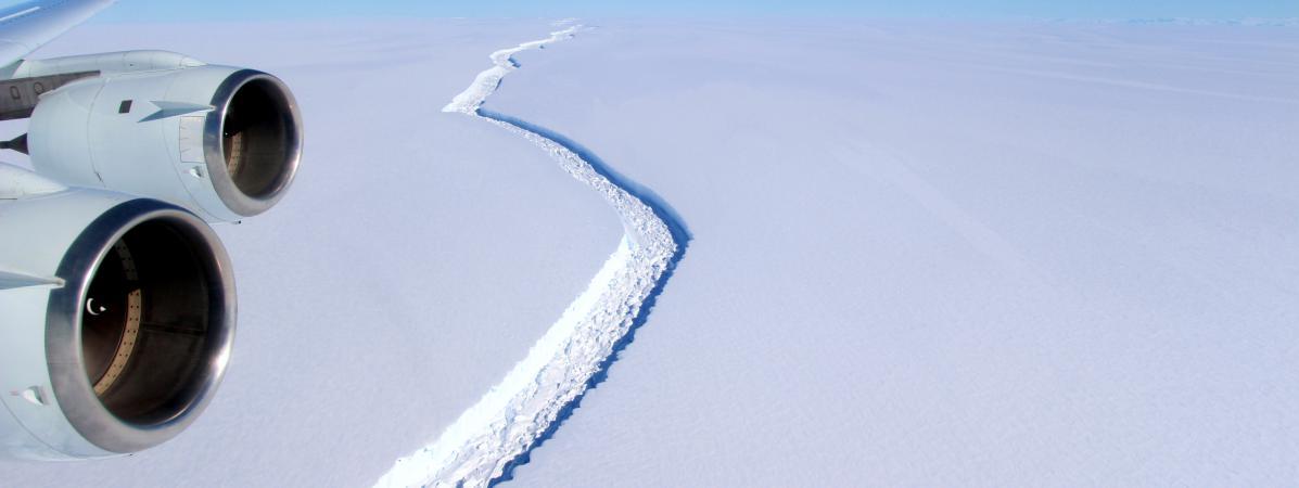 Vue de la faille de la plaforme glacière Larcen C, d\'où s\'est détaché un iceberg géant, le 1er juin 2017, en Antarticque.
