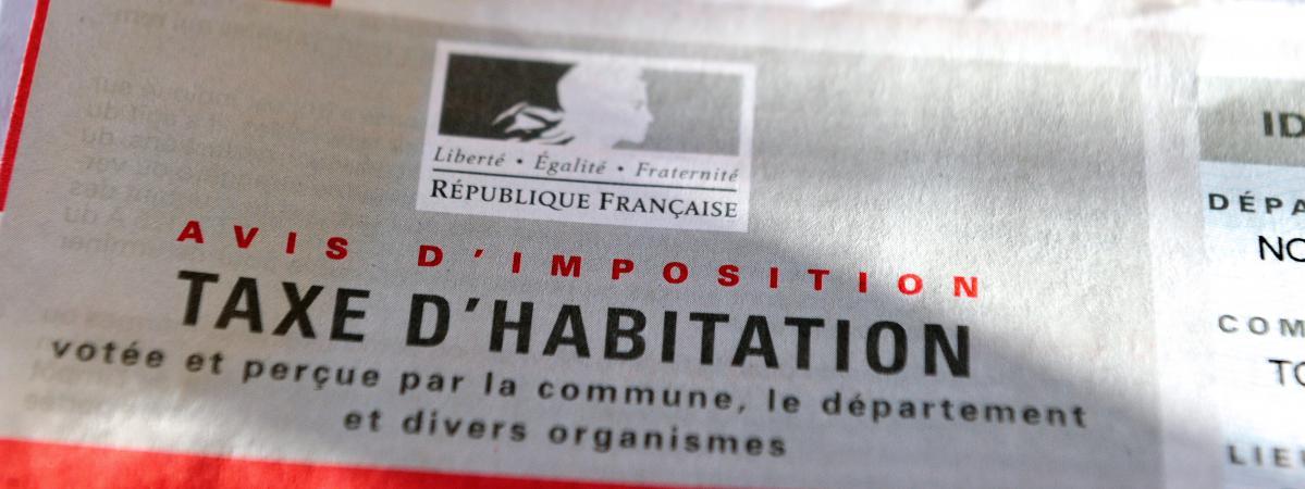 Info franceinfo emmanuel macron donne son feu vert l 39 exon ration de la - Taxe d habitation parking exoneration ...