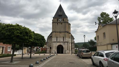 """A Saint-Etienne-du-Rouvray, """"la plaie est encore ouverte"""""""