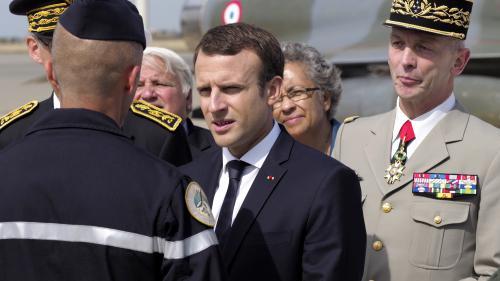 """VIDEO. """"Aucun budget autre que celui des armées ne sera augmenté"""" en 2018, prévient Emmanuel Macron"""